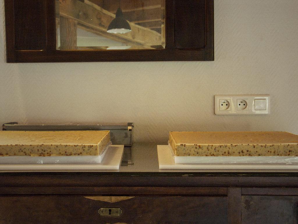 Les plaques de savon avant découpe